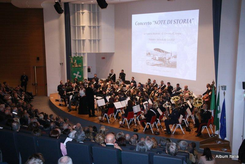 Tre storiche formazioni musicali riunite a unica grande Orchestra: Fanfara della 1° Regione Aerea-Fanfara del 3° Reggimento Carabinieri